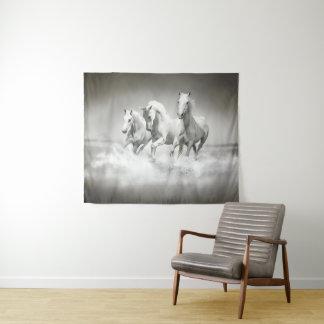 Tapeçaria média selvagem da parede dos cavalos