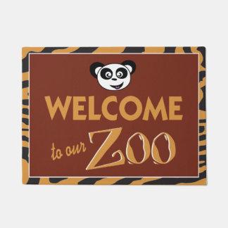 Tapete Boa vinda a nosso jardim zoológico engraçado
