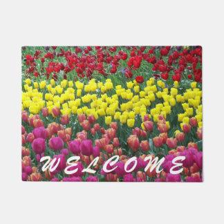 Tapete Boa vinda floral das tulipas coloridas