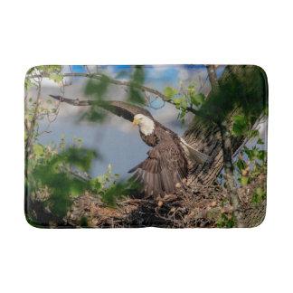Tapete De Banheiro Águia americana que sae do ninho