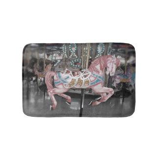 Tapete De Banheiro Cavalo cor-de-rosa do carrossel