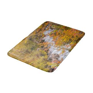 Tapete De Banheiro Cena colorida da paisagem da floresta, Patagonia