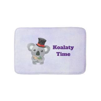 Tapete De Banheiro Chalaça do Koala do tempo de Koalaty