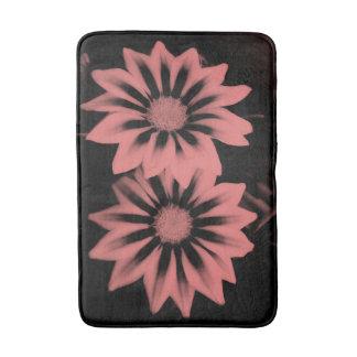 Tapete De Banheiro Dois Gazanias cor-de-rosa escuros