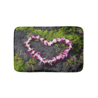 Tapete De Banheiro Leus da flor nas rochas