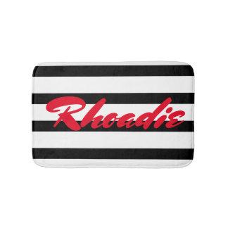 Tapete De Banheiro Listras preto e branco com personalização vermelha