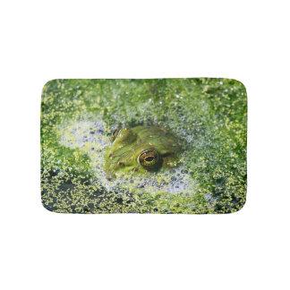 Tapete De Banheiro Olhos do sapo em uma lagoa