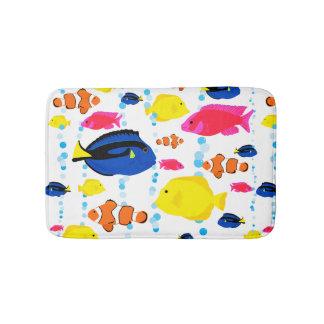 Tapete De Banheiro Peixes e bolhas tropicais lunáticos bonitos