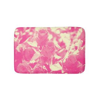 Tapete De Banheiro Rosa e rosas amarelos macios