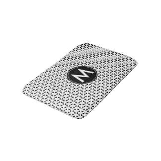 Tapete De Banheiro Teste padrão celta preto e branco do monograma
