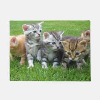 Tapete Doormat bonito da família do gatinho