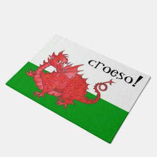 Tapete Dragão vermelho bonito de Galês em Croeso verde,