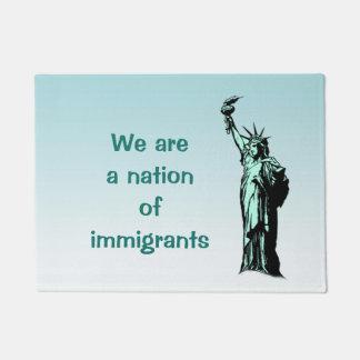 Tapete Esteira de porta dos imigrantes da estátua da