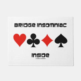 Tapete Insomniac da ponte dentro de um humor de quatro