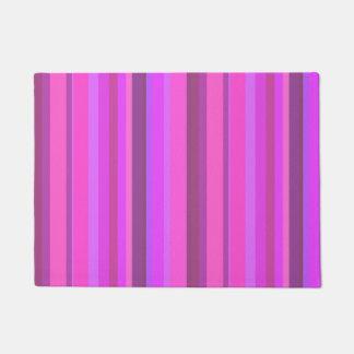 Tapete Listras verticais cor-de-rosa