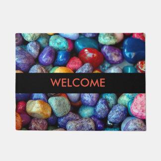 Tapete Os seixos e as pedras coloridos dão boas-vindas à