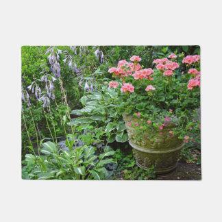 Tapete Plantador cor-de-rosa da flor do gerânio
