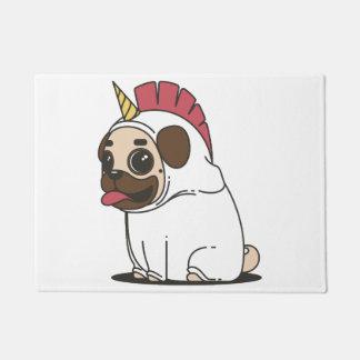 Tapete Pug de sorriso dos desenhos animados em um traje