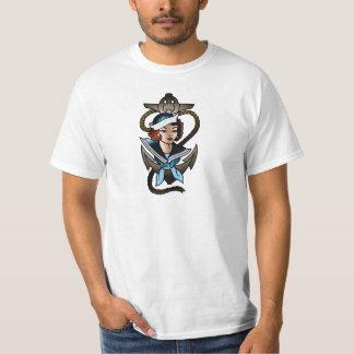tatuagem do marinho da menina do marinheiro do t-shirt