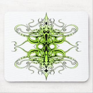 Tatuagem tribal do império - verde mousepads