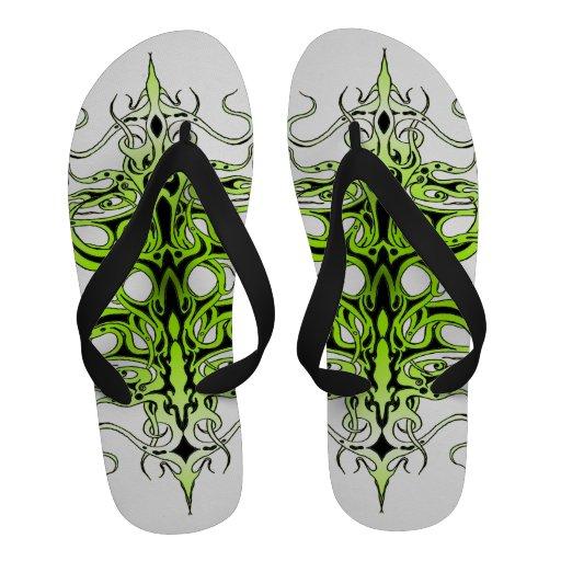 Tatuagem tribal do império - verde no preto sandalia de dedos