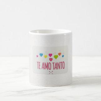 """""""Te Amo Tanto"""" com corações na caneca de café"""