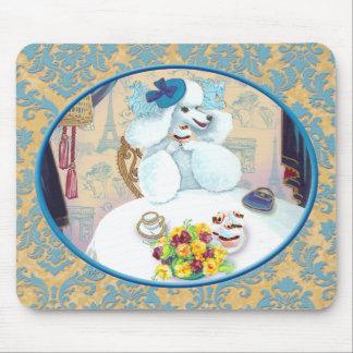 Tea party branco da caniche no damasco mousepad