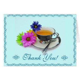 Teacup e margaridas dos cartões de agradecimentos
