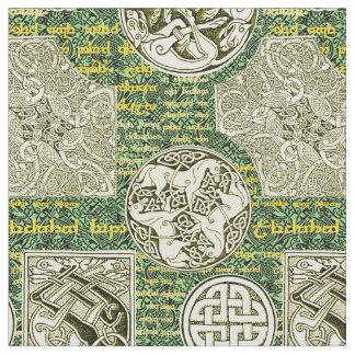 Tecido Cães e cavalos celtas no verde e no ouro