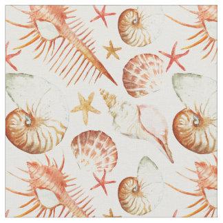 Tecido Coral com escudos & monograma do teste padrão |