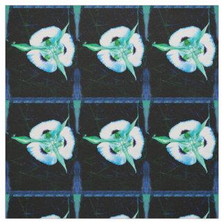 Tecido Lírio feericamente azul