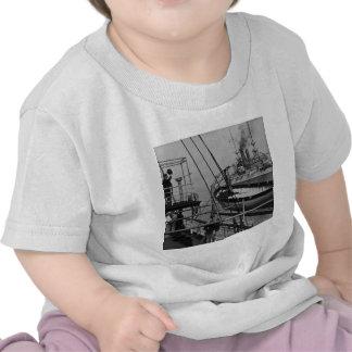 Teddy Roosevelt no Mayflower Camisetas