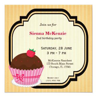 Tema do aniversário do cupcake convite
