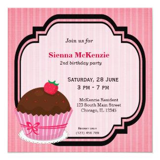 Tema do aniversário do cupcake convite personalizado
