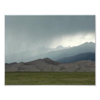 Tempestade sobre as grandes dunas de areia, impressão de foto