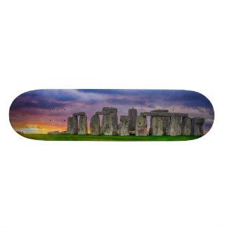 Tempestade sobre o skate de Stonehenge
