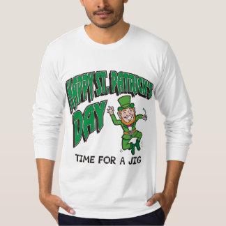 Tempo do dia de St Patrick feliz para um gabarito Camiseta