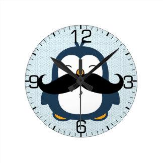 Tendência do bigode do pinguim relógios de pendurar