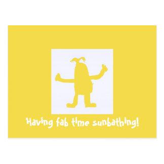 Tendo o cartão Sunbathing do tempo fabuloso