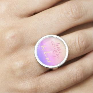 Tenha a coragem e seja anel inspirado amável das