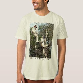 Tenha uma camisa do lemur do dia agradável