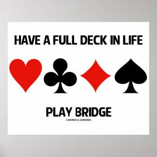 Tenha uma plataforma completa na ponte do jogo da poster