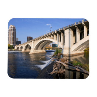 Terceira ponte da avenida em Minneapolis Ímã