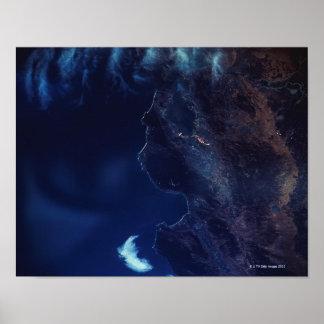 Terra e água do satélite poster