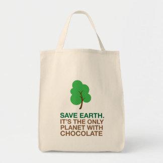Terra, o único planeta com chocolate bolsa para compras