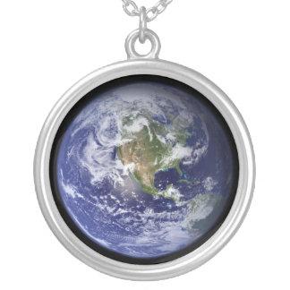 Terra - uma outra versão colar personalizado