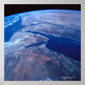 Terra vista de um satélite 2 poster