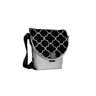 Teste padrão 1 do trevo preto e branco bolsas mensageiro