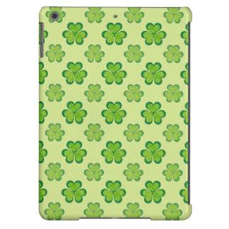 Teste padrão afortunado verde à moda do trevo do capa para iPad air