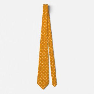 Teste padrão alaranjado do design dos pontos das gravata